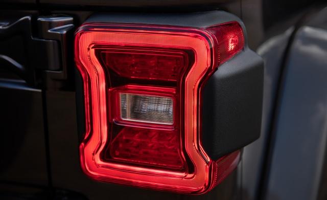 2018-Jeep-Wrangler-206-1.jpg